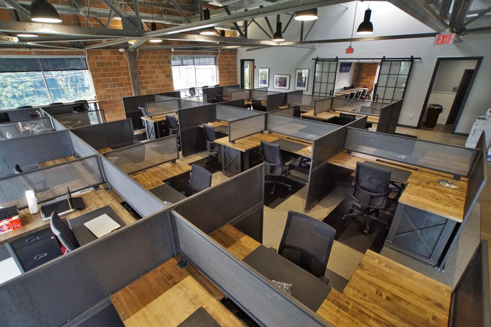 Industrial Iron Office Furniture – Exceptional Design Meets Commercial Vibe