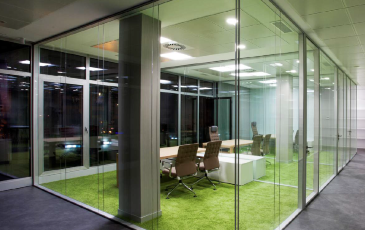 Moveable Glass Walls to Modernize and Improve Your Office